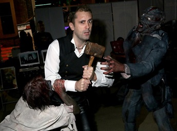 Nathan Head with zombie actor Neil Gallagher at Living Dead Con